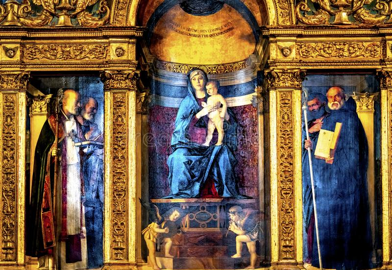 Bellini Madonna som målar Santa Maria Frari Church Venice Italy royaltyfri fotografi