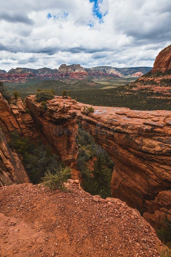 Bellissima natura a Sedona, città dell'Arizona Turismo negli Stati Uniti d'America fotografie stock libere da diritti