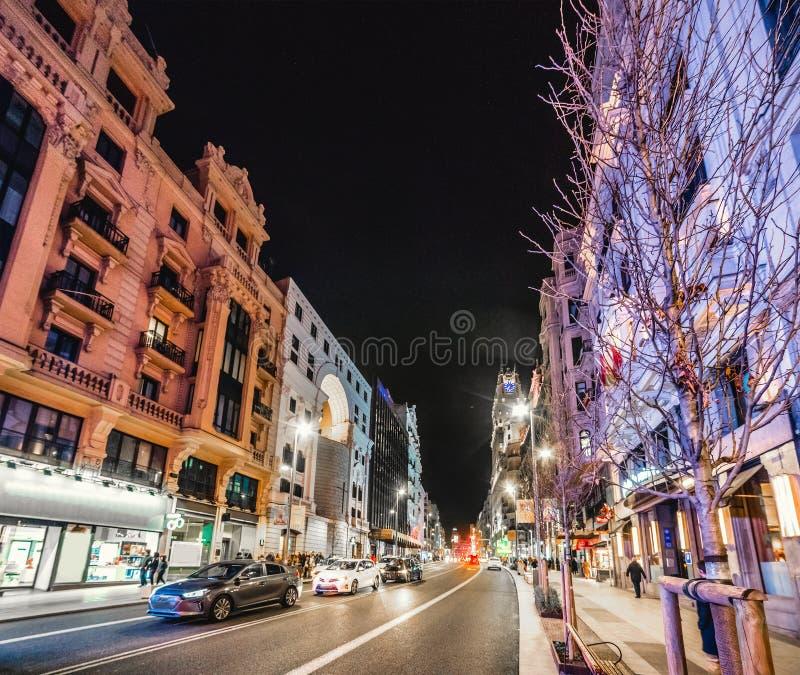 Bellissimi edifici della GranVia di notte fotografia stock libera da diritti