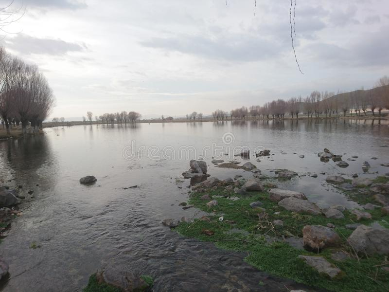 Download Bello immagine stock. Immagine di acqua, lago, neve - 117978189