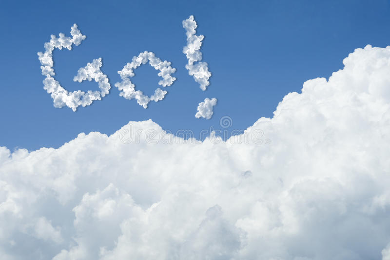 Bello cielo blu e nube bianca Giorno pieno di sole cloudscape chiuda sulla nuvola il testo va vada al concetto futuro lotta per m illustrazione vettoriale