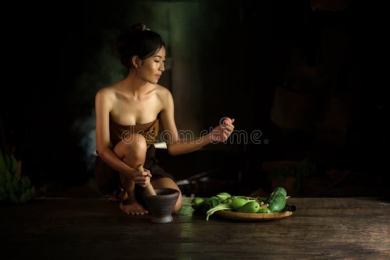 Bello concetto tradizionale tailandese del vestito dal ritratto immagini stock