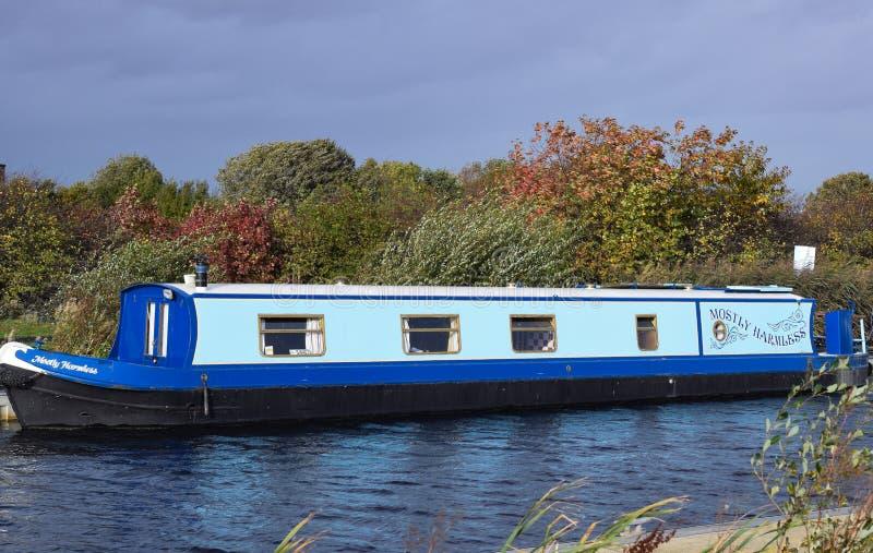 Bello crogiolo di canale scozzese blu immagine stock