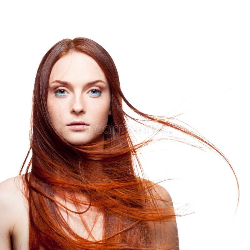 Bello dai capelli rossi con capelli ventosi immagini stock libere da diritti