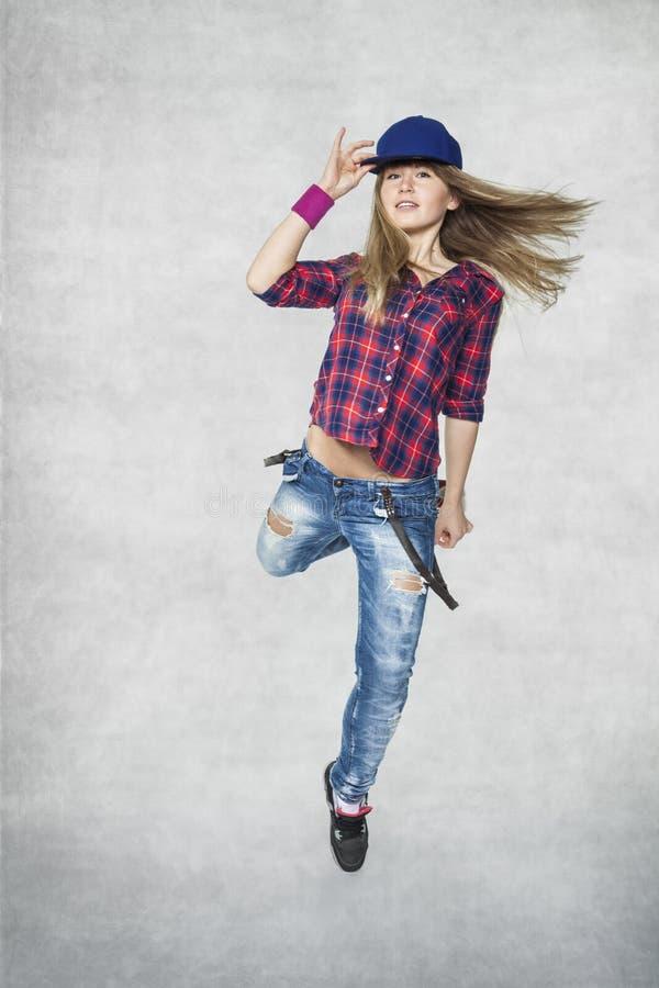 Bello dancing della ragazza fotografia stock