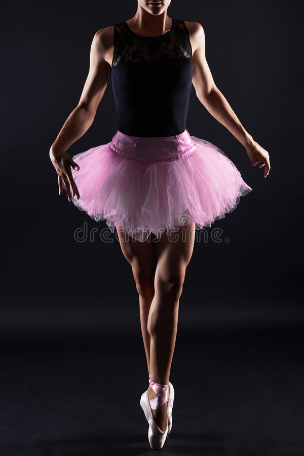 Bello danzatore di balletto femminile Donna di Dancing immagini stock libere da diritti