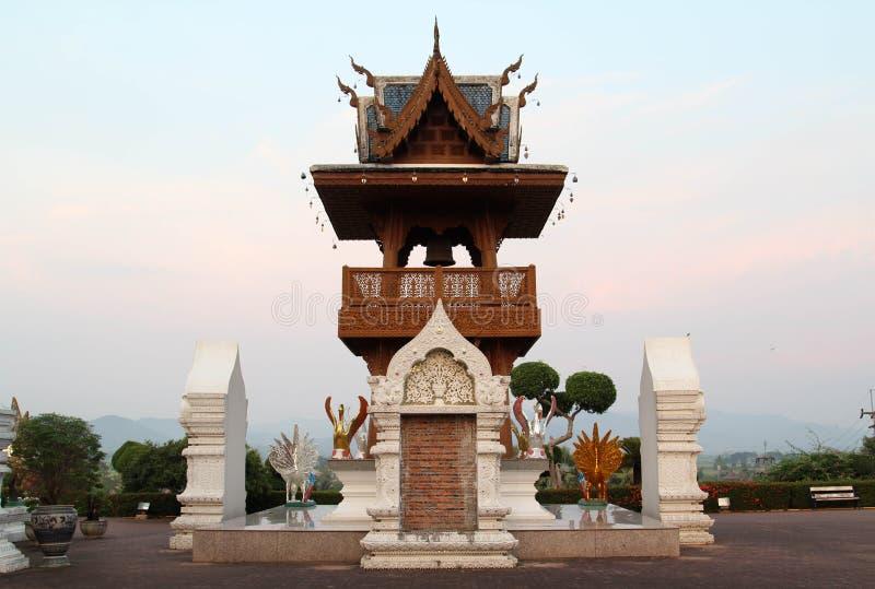 Bello e tempio tailandese famoso di Wat Ban Den, Chiangmai, Tailandia del Nord fotografie stock libere da diritti