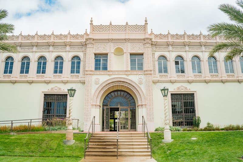 Bello edificio di Camino Hall Shiley Theater dell'università di S immagine stock libera da diritti