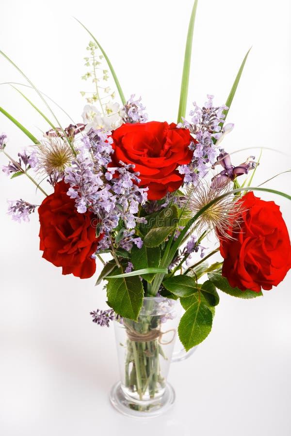 bello fiore del mazzo in vaso fotografia stock libera da diritti