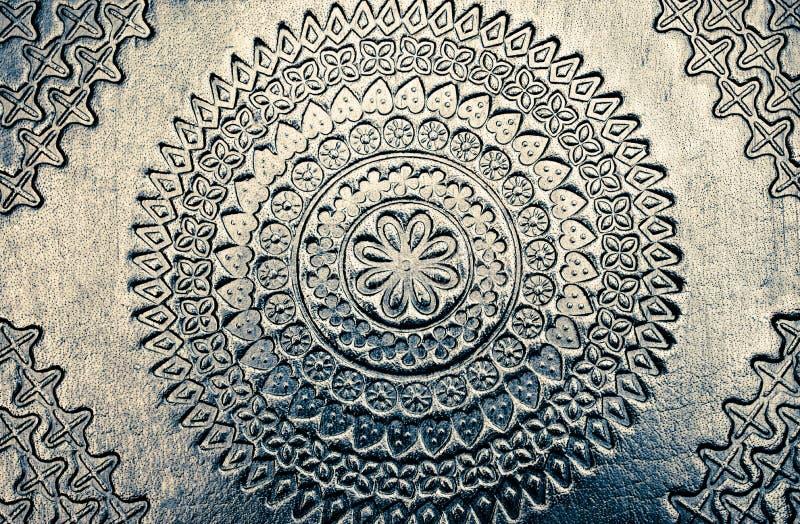Bello fondo d'argento brillante scolpito metallico del metallo con bella struttura immagine stock