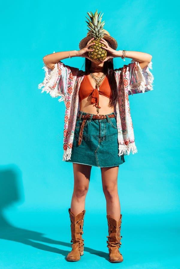 bello fronte della copertura della ragazza di hippy fotografia stock libera da diritti