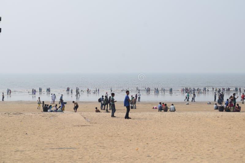 Bello giorno alla spiaggia di Juhu fotografia stock libera da diritti