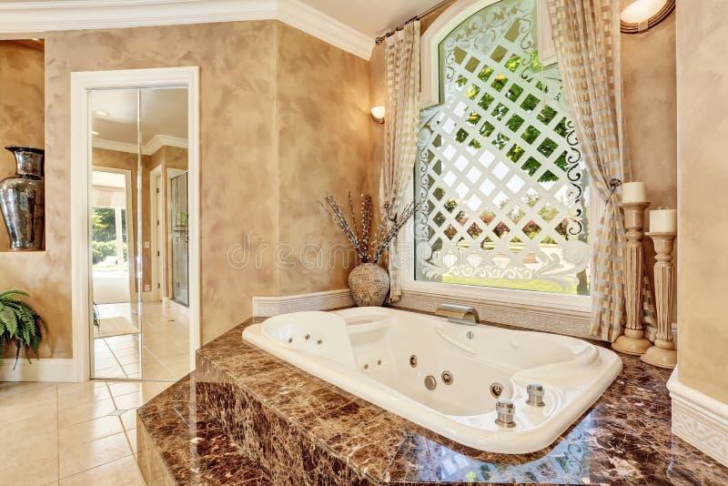 Bagno di marmo download bagno di marmo bianco moderno immagine