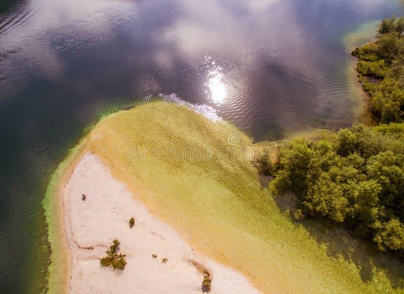 Bello lago Bohinj ad estate immagine stock