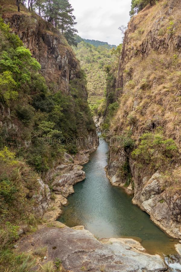 Bello lago canyon fotografia stock