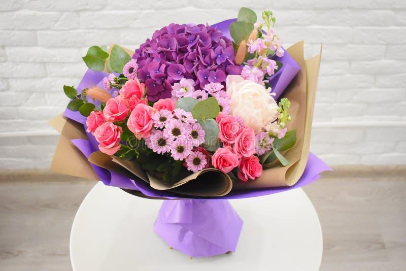 Bello mazzo adorabile per il negozio di fiore fotografia stock