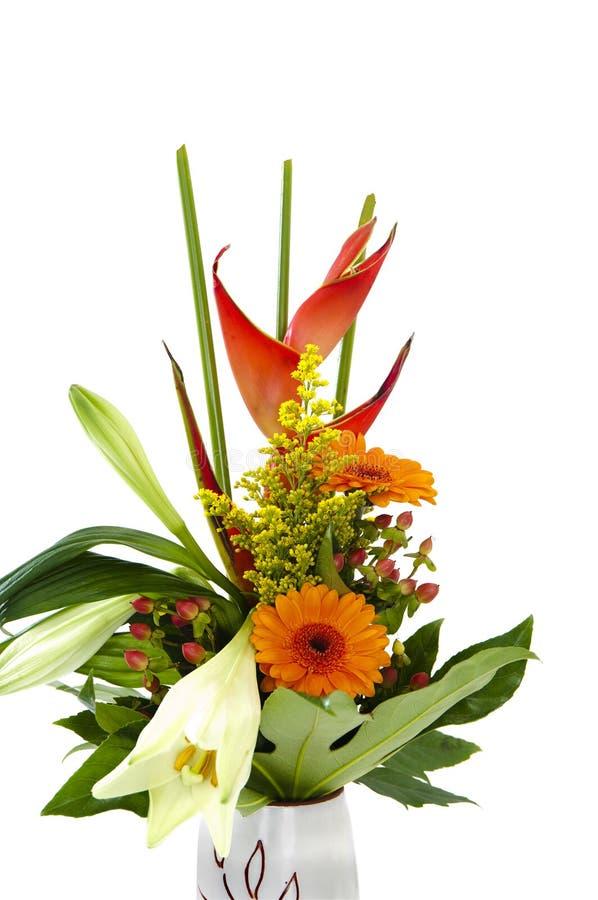 Bello mazzo di fiori in un vaso fotografia stock libera da diritti
