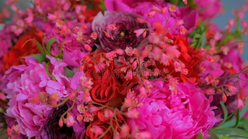 Bello mazzo di nozze all'officina, negozio di fiore immagine stock libera da diritti