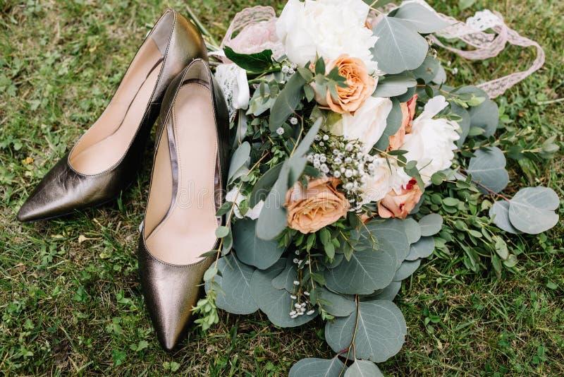 Bello mazzo splendido di nozze del mazzo A di nozze di estate fotografie stock libere da diritti