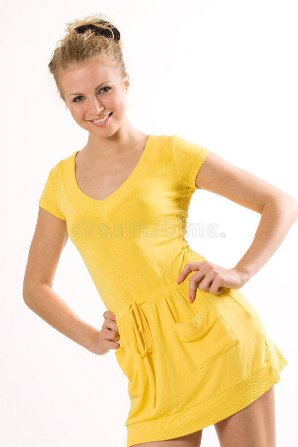 Bello modello in vestito giallo isolato su bianco fotografia stock libera da diritti