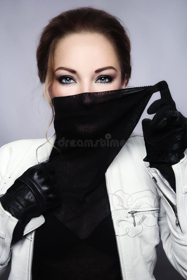 Bello motociclista della donna fotografie stock