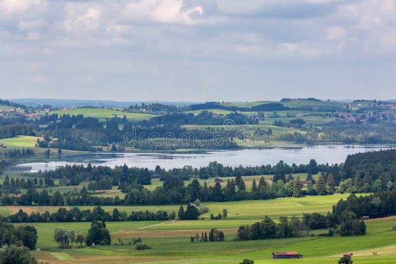 Bello paesaggio con i campi e simili in Germania fotografie stock
