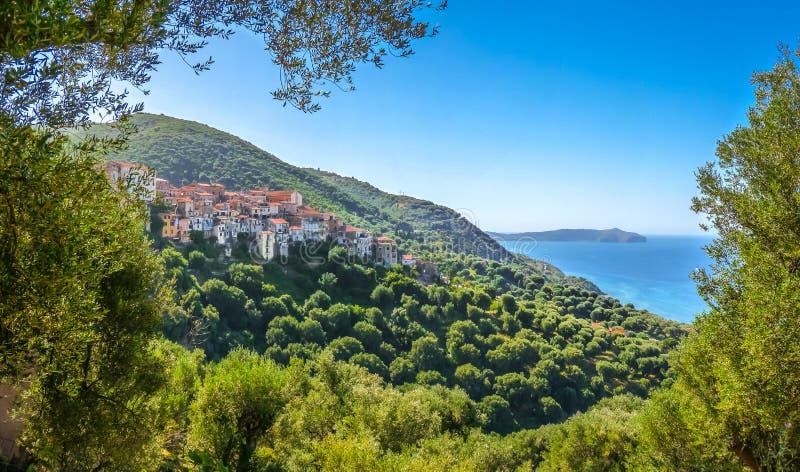 Bello paesaggio costiero alla costa di Cilentan, campania, Italia del sud fotografia stock libera da diritti