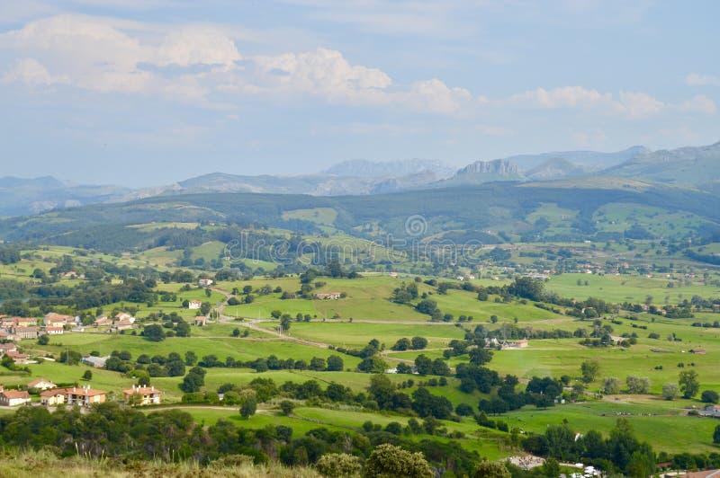 Bello paesaggio dei campi europei fotografie stock libere da diritti