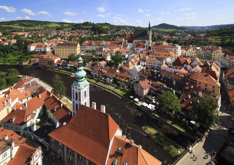 Bello paesaggio del centro storico di Cesky Krumlov immagini stock libere da diritti
