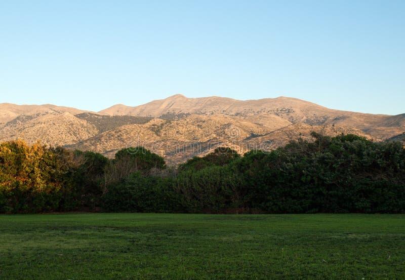 Bello paesaggio della montagna di Creta vicino a Malia fotografia stock libera da diritti