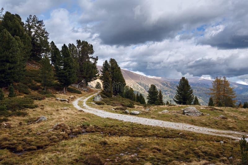 Bello paesaggio della montagna l'austria fotografie stock libere da diritti
