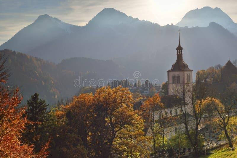 Bello paesaggio di tramonto da groviera switzerland fotografie stock