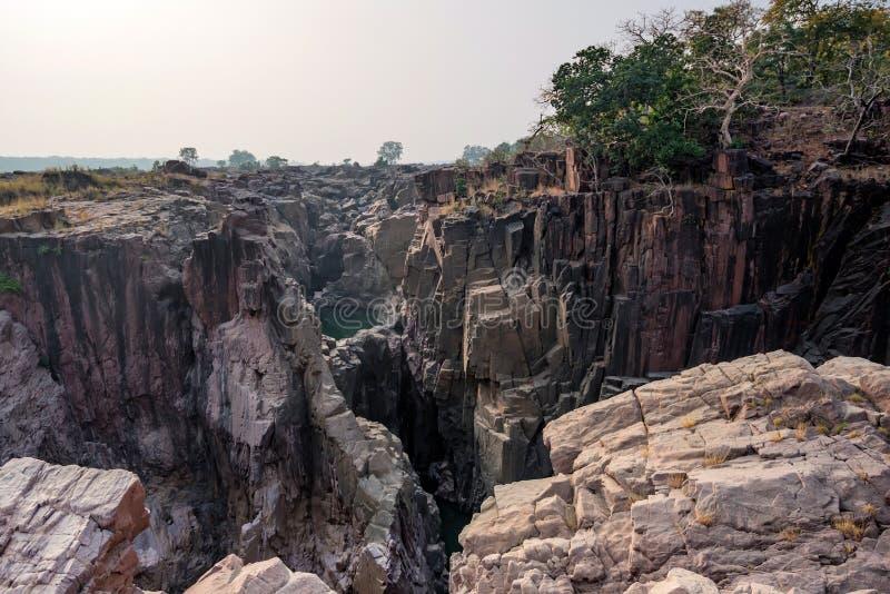 Bello paesaggio indiano con la caduta di Raneh fotografie stock