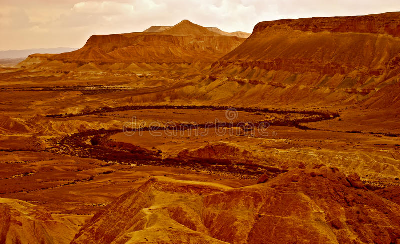 Bello paesaggio rosso del deserto fotografia stock
