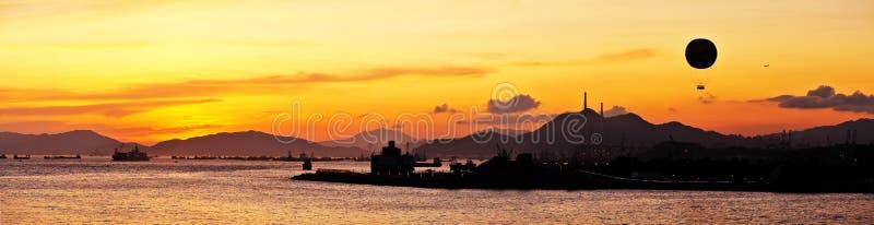 Bello panorama di incandescenza di tramonto fotografia stock libera da diritti