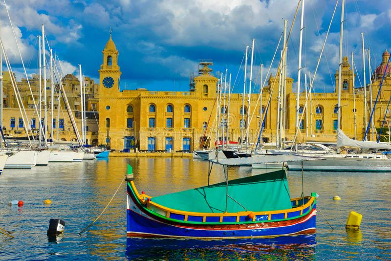 Bello porticciolo di Malta, punti di riferimento di La Valletta della La, viaggio Europa immagine stock libera da diritti