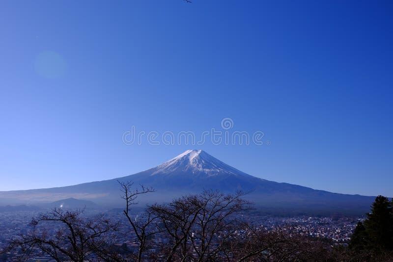 Bello punto di vista della montagna di Fuji fotografie stock