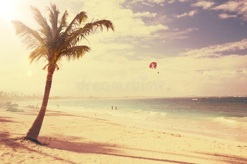Bello retro fondo della spiaggia di arte fotografia stock