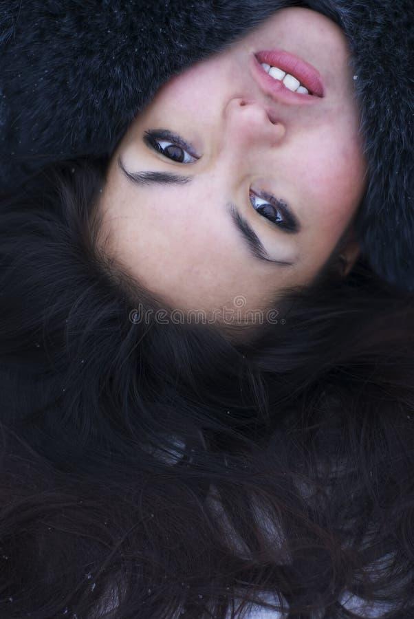 Bello ritratto castana della donna fotografia stock