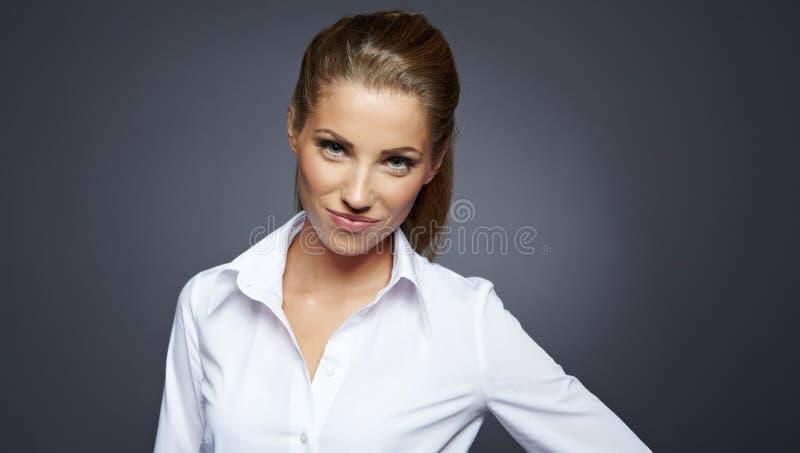Bello ritratto della donna di affari, immagine stock libera da diritti