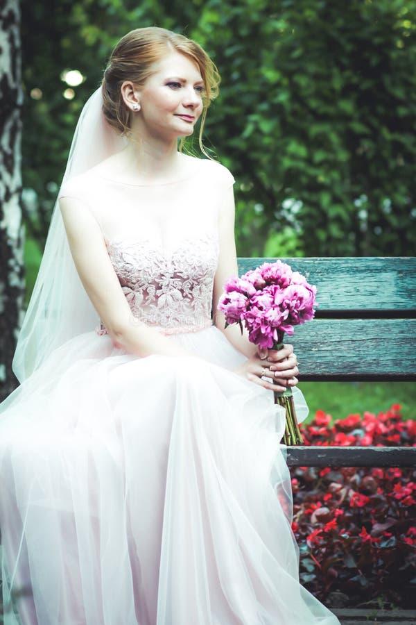 Bello ritratto della sposa fotografie stock