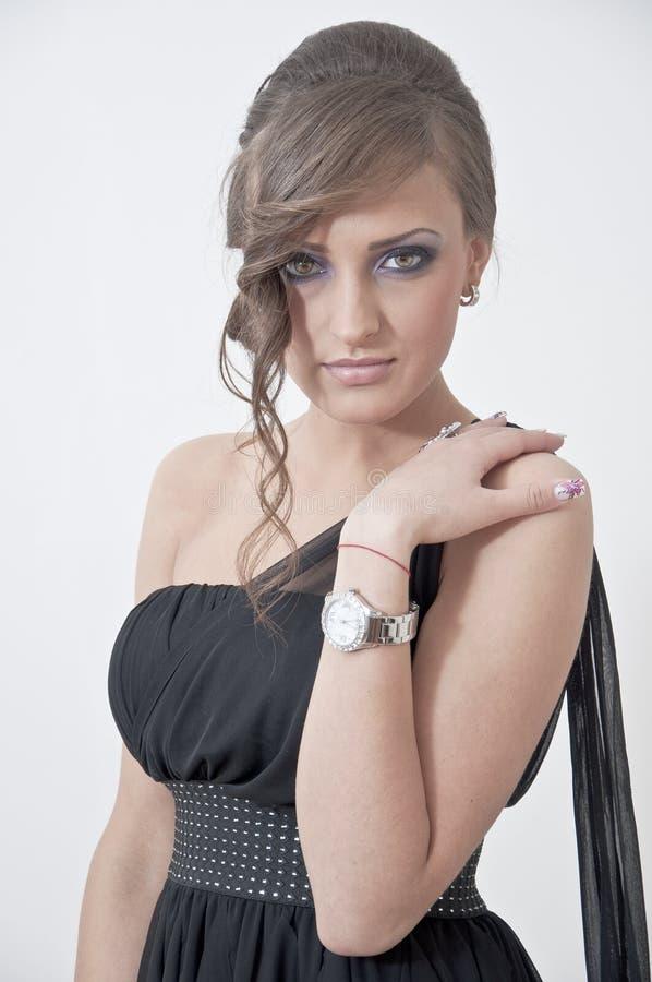 Bello ritratto di una ragazza in vestito da promenade immagine stock