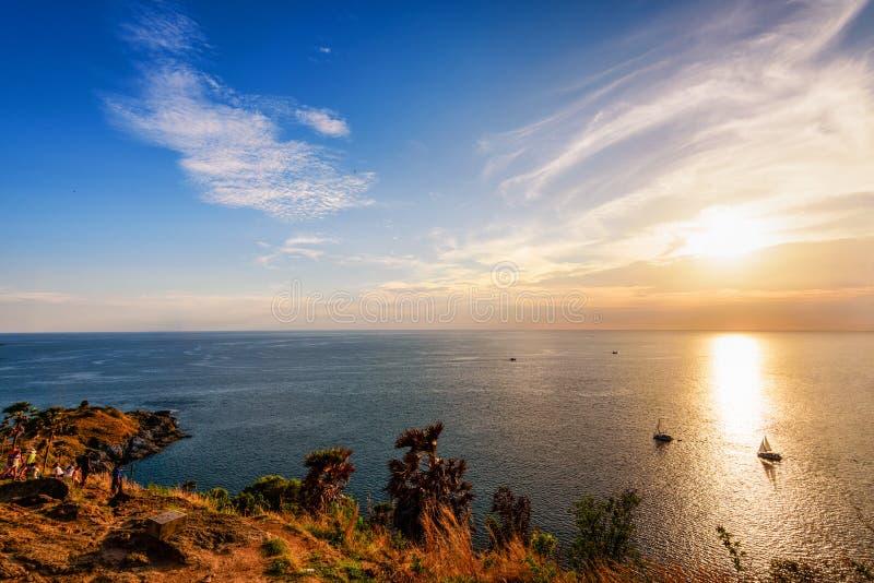 Bello tramonto del paesaggio variopinto fotografia stock libera da diritti