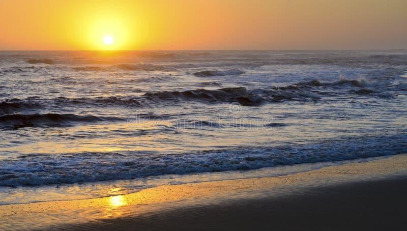 Bello tramonto dorato fotografia stock libera da diritti