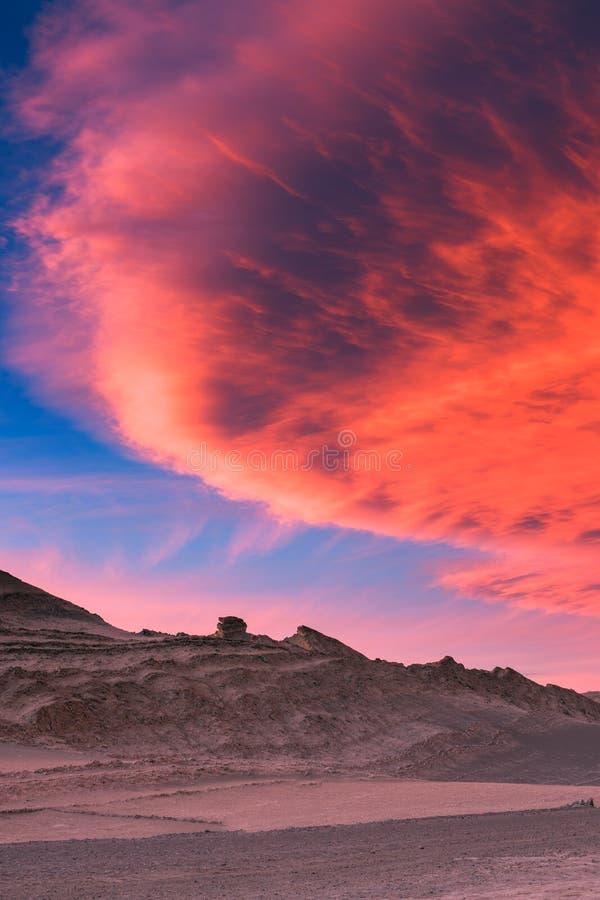 Bello tramonto nella valle della luna, deserto di Atacama, Cile fotografia stock