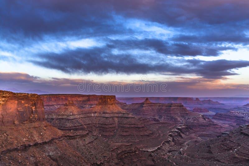 Bello tramonto vicino al punto Canyonlands Utah di Marlboro fotografia stock libera da diritti