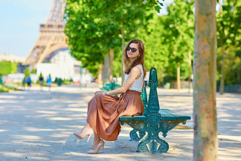 Download Bello turista a Parigi immagine stock. Immagine di modo - 55358497