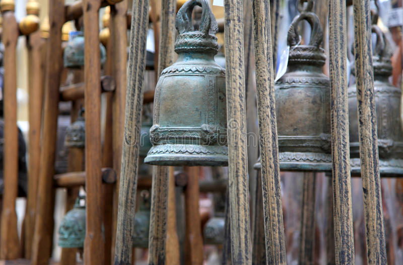 Bells dans le temple de Bouddha photo stock