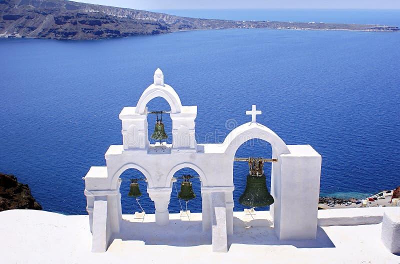 Bells et mer bleue, Grèce photographie stock