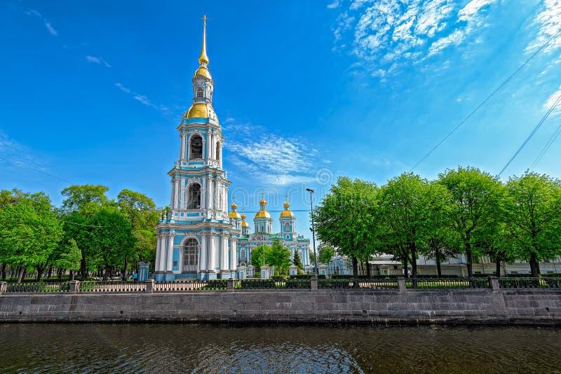 Belltower da catedral de Nikolsky fotografia de stock